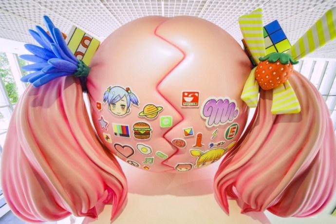 Mr. 作品「Hikari–A Cherry Blossom Path–」的背面