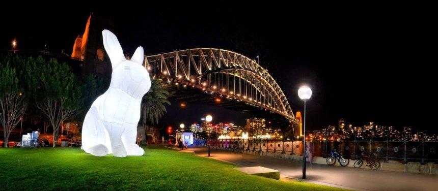 7公尺的可愛小白兔將在美堤河濱公園與大家見面。圖/北市文化局提供