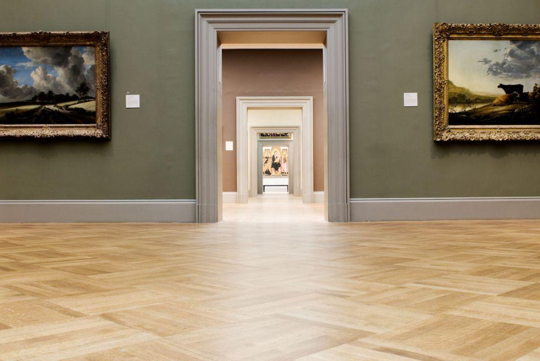 大都會美術館空無一人之景。Empty galleries at the Metropolitan Museum of Art in New York. Photo by James Prescott, via Flickr.