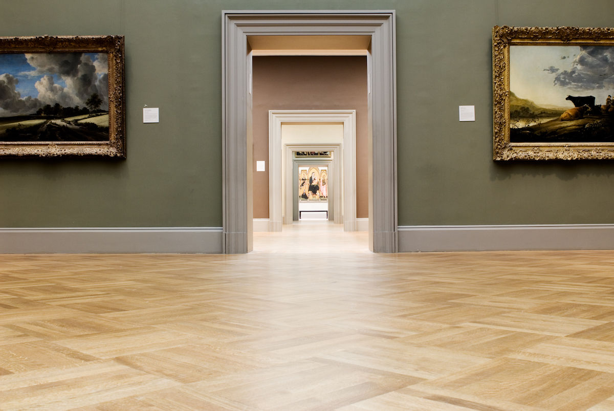 大都會美術館空無一人之景。Empty galleries at the Metropolitan Museum of Art in New York. Photo by James Prescott, via Flickr.