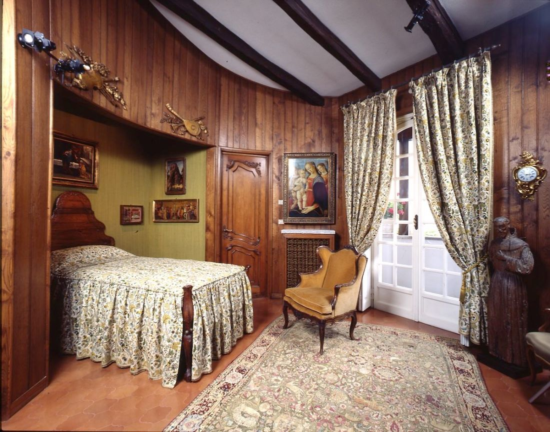 Jacopo del Sellaio's painting in the tower bedroom at Villa Cerruti. Photo by Francesco Federico Cerruti, late 1980s. Courtesy Castello di Rivoli Museo d'Arte Contemporanea, Rivoli-Turin.