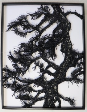 康雅筑Kang Ya-Chu_紙線素描_松影No.2_2020_紙線、木框_40x31cm, Courtesy of 本事藝術 Solid Art