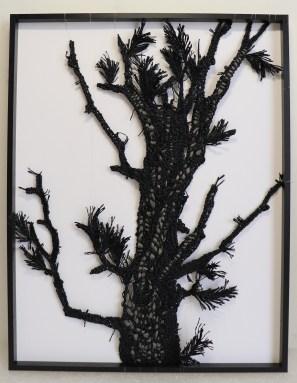 康雅筑Kang Ya-Chu_紙線素描_松影No.3_2020_紙線、木框_40x31cm, Courtesy of 本事藝術 Solid Art