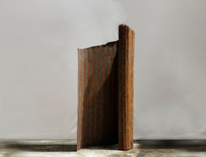 Lin Hong-Wen 林鴻文 Aether-i-20-4 , 2020 iron 鐵 230 x 112 x 45 cm, Courtesy of 双方藝廊 Double Square Gallery