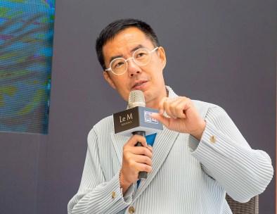 東吳大學社會學系副教授劉維公 ,Courtesy of 胡氏藝術