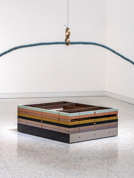 Suki Seokyeong Kang, Jeong on the Black Mat #19-02, 圖/ 文心藝術基金會提供 Courtesy of Winsing Arts Foundation
