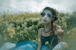 hotos: Yitz Woolf. Makeup: Cassy Wainer. Costumes: Bayla Lewis. Actors: Chanel Lallouz, David Hilfstein and Avital Sykora.