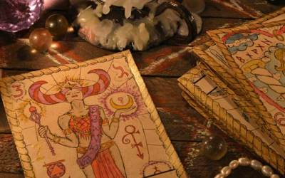 Guest Witch Pulls Cards for 2018