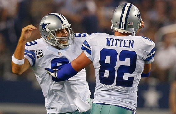 Jason Witten celebrating with teammate Tony Romo (Tom Pennington/Getty Images)
