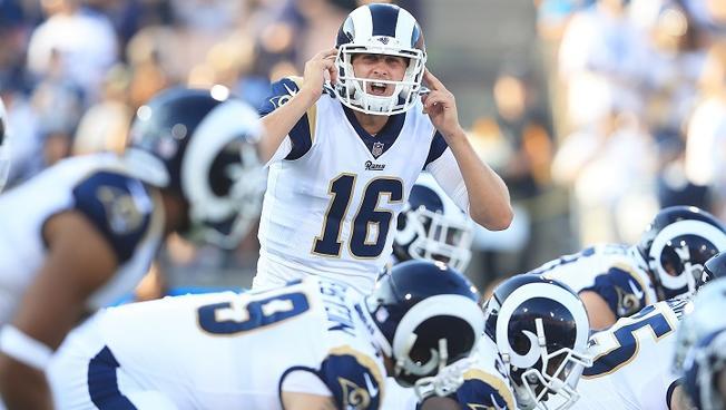 Jared-Goff-LA-Rams-vs-Cowboys