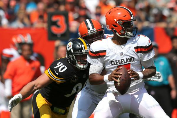 Cleveland-Browns-sticking-with-rookie-DeShone-Kizer-at-QB