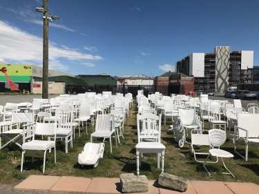 185 White Chairs