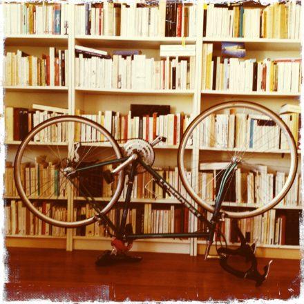 """Résultat de recherche d'images pour """"beaucoup de livres"""""""