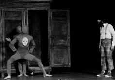 Catherine et l'armoire