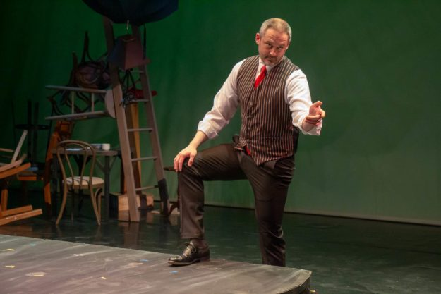 Dead Man's Cell Phone production photo by Kade Mendelowitz