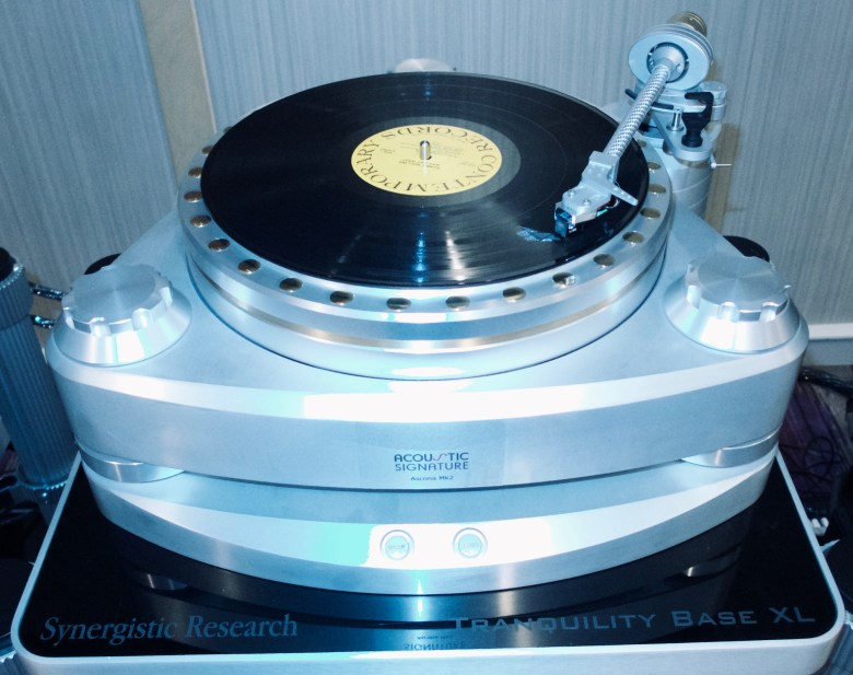 T H E Show 2019 - Turntable Eye Candy | The Audio Beatnik
