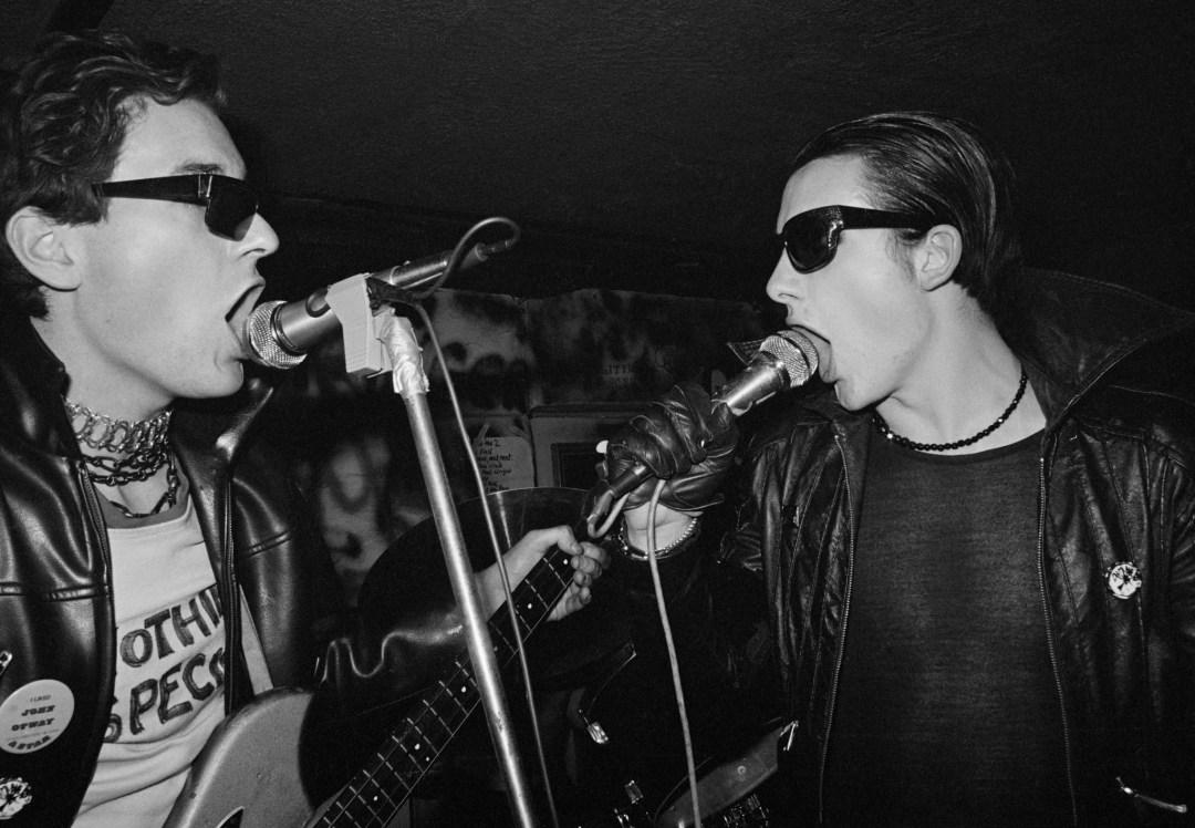 The Damned - Captain Sensible & David Vanian live at the Hope & Anchor, London 1 January 1977 (c) John Ingham 1977