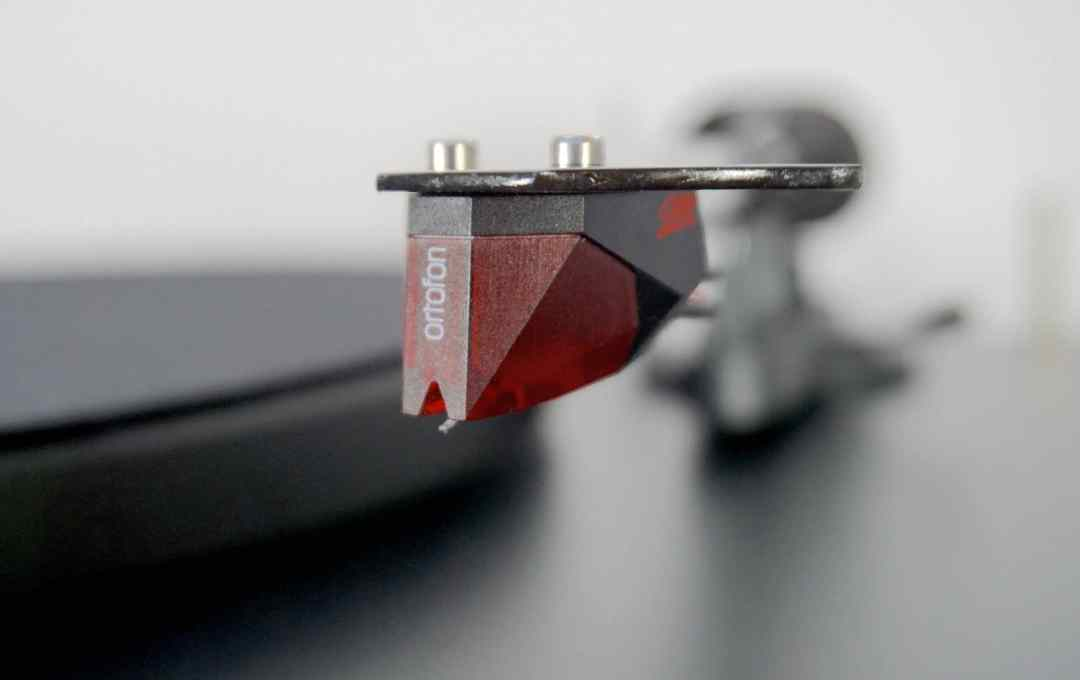 EVO Carbon Debut Turntable from Pro-Ject