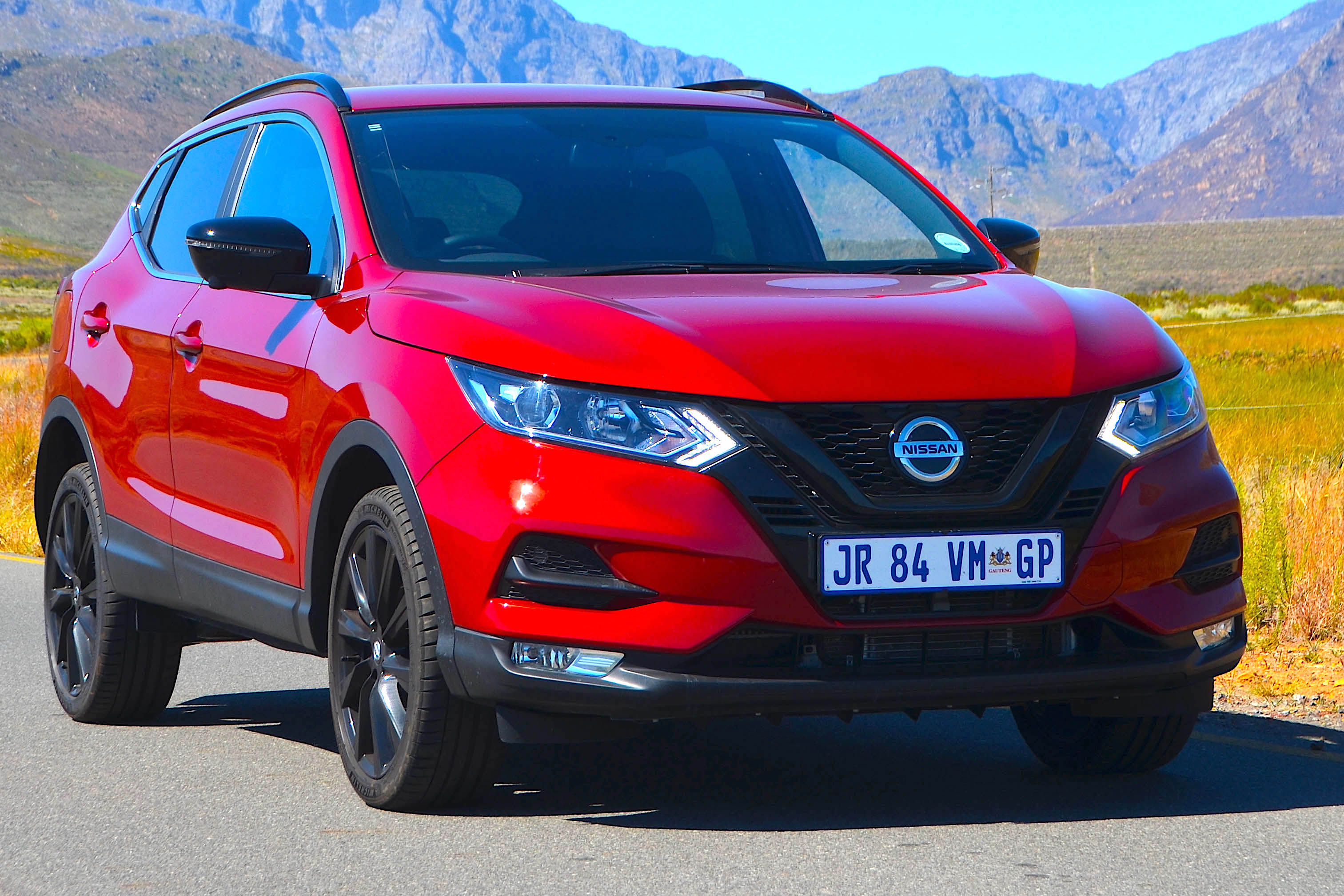 A TRIP IN THE DARK SIDE — SHADY QASHQAI ROAD TESTED