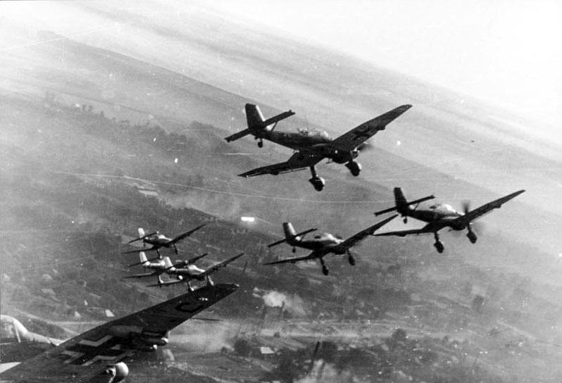 Самолеты Junkers Ju 87 во время Второй Мировой Войны