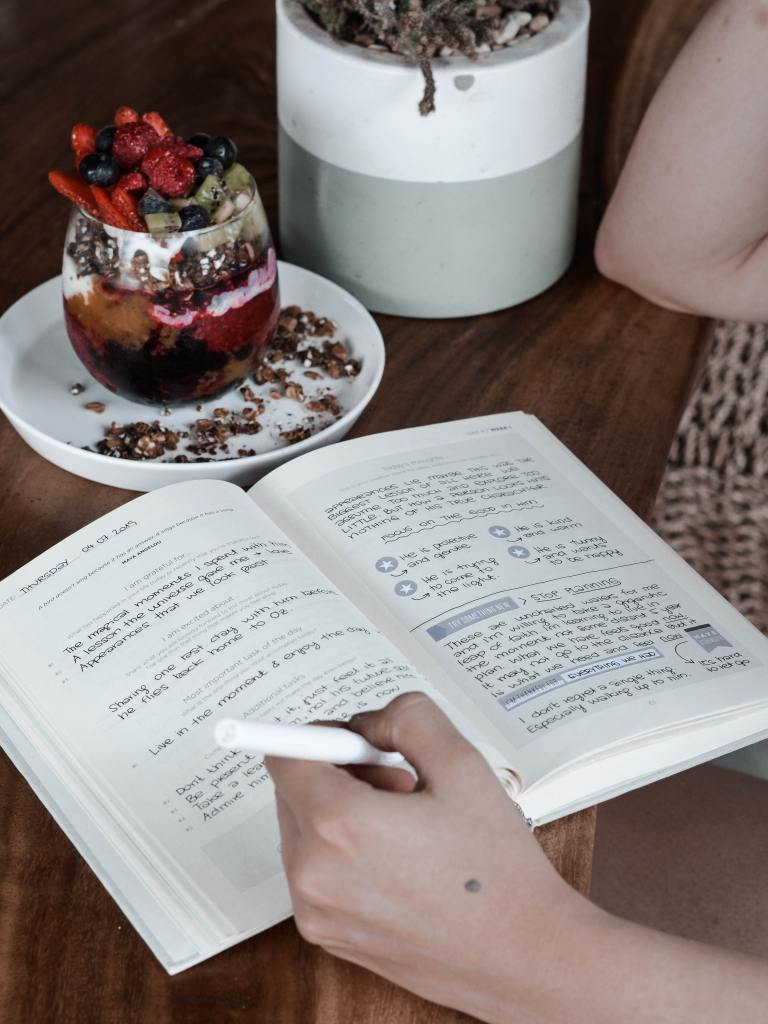healthy habits, nutrition, diet, lifestyle, wellbeing, autoimmune disease