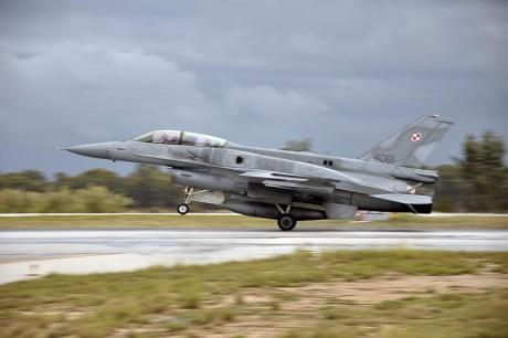 PAF F-16