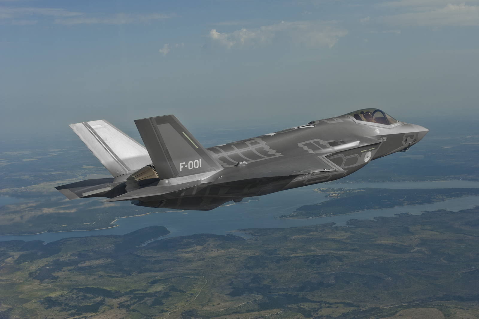 No way an F-35 will ever match a Typhoon fighter jet in