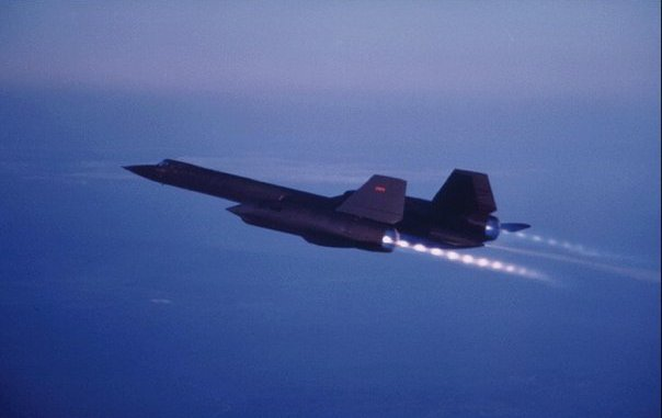 SR-71 Blackbird was so fast it outran every missile, Mig