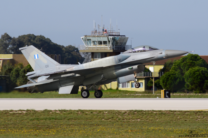 F-16 HAF landing