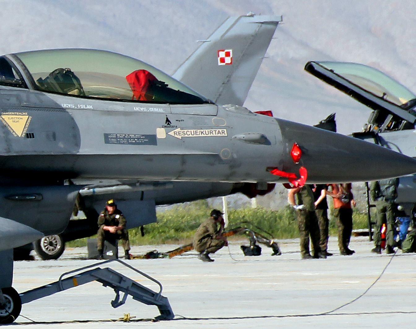 Mig-kill-TuAF-F-16-close-up.jpg