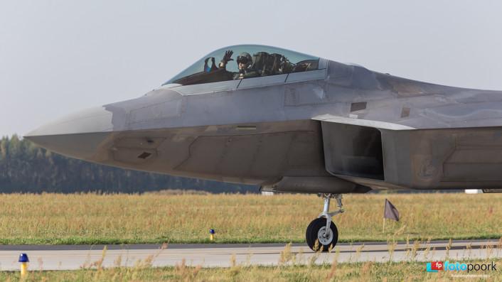 F-22s in Poland_05