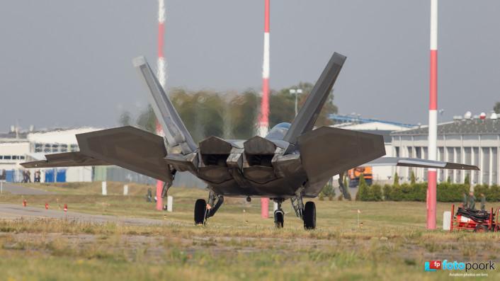 F-22s in Poland_06