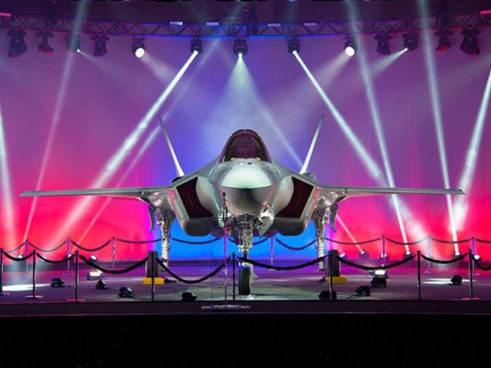 F-35 RNoAF roll out front