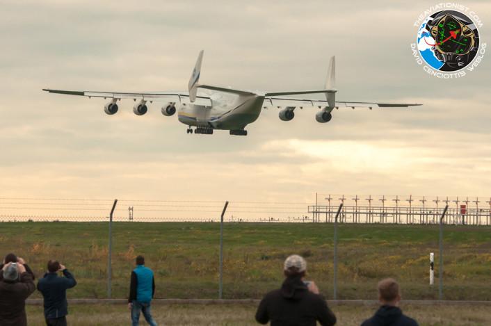 An225 landing