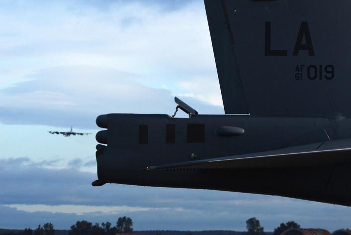B-52 landing Moron 2