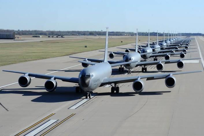 KC-135 Elephant walk 2