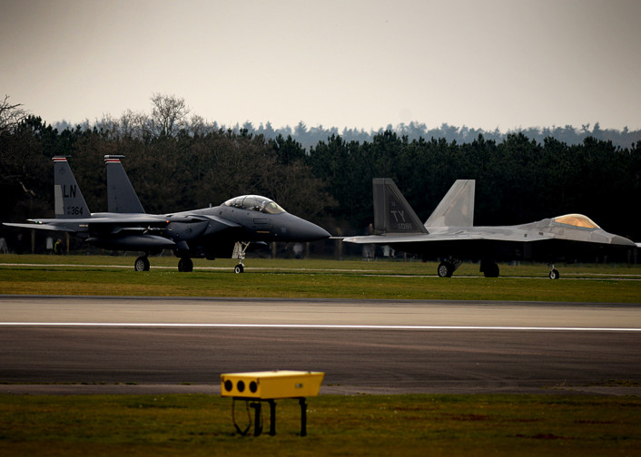 F-22 deploy to EGUL