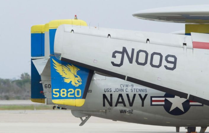 VAW-112 Golden Hawk 4