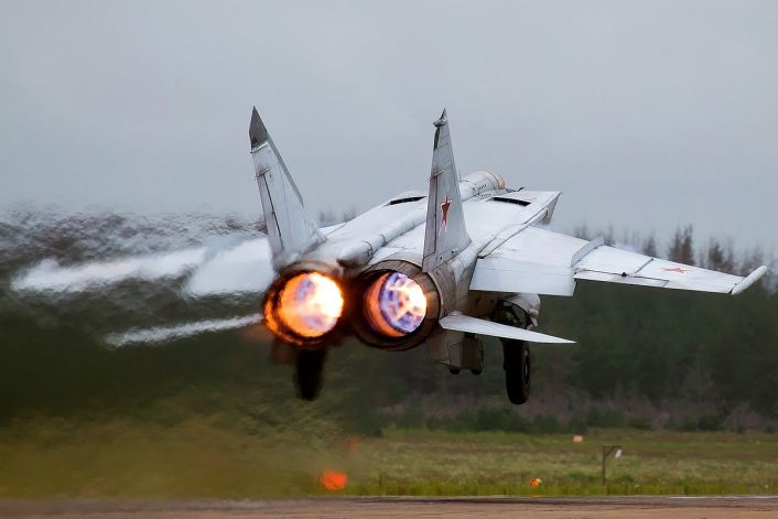 MiG-25 take off