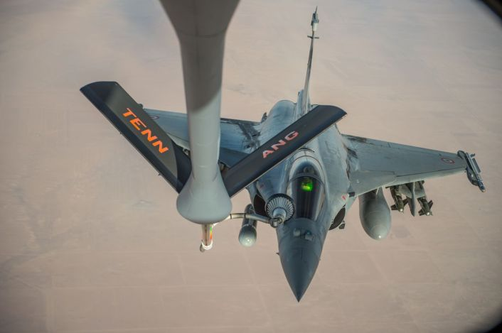 A French Air Force Rafale receives fuel from a KC-135 Stratotanker over Iraq in support of Operation Inherent Resolve Oct 17, 2016. The KC-135 provides the core aerial refueling capability for the U.S. Air Force and has excelled in this role for more than 50 years. (U.S. Air Force photo by Staff Sgt. Douglas Ellis/Released)