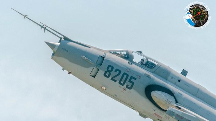 su-22-close-up-turn