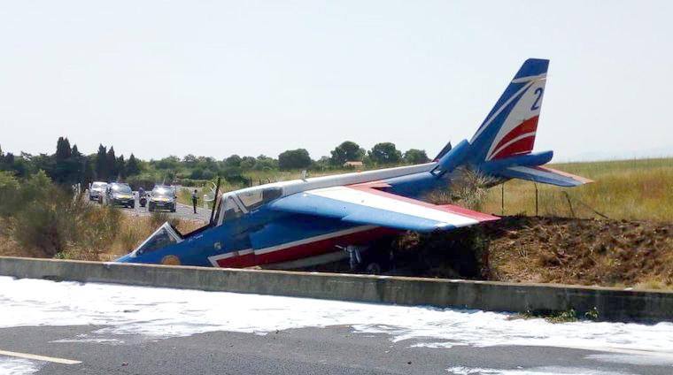 Patrouille de France Alpha Jet Overruns The Runway At
