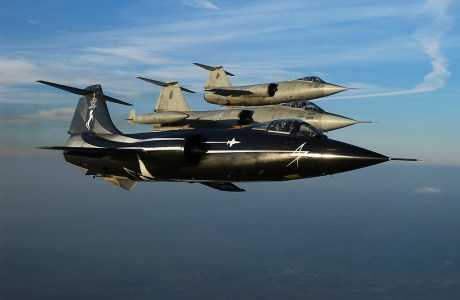 """""""Black Beauty"""": One Of The Last (And Most Beautiful) Special Colored F-104 Starfighters Of The Italian Air Force"""