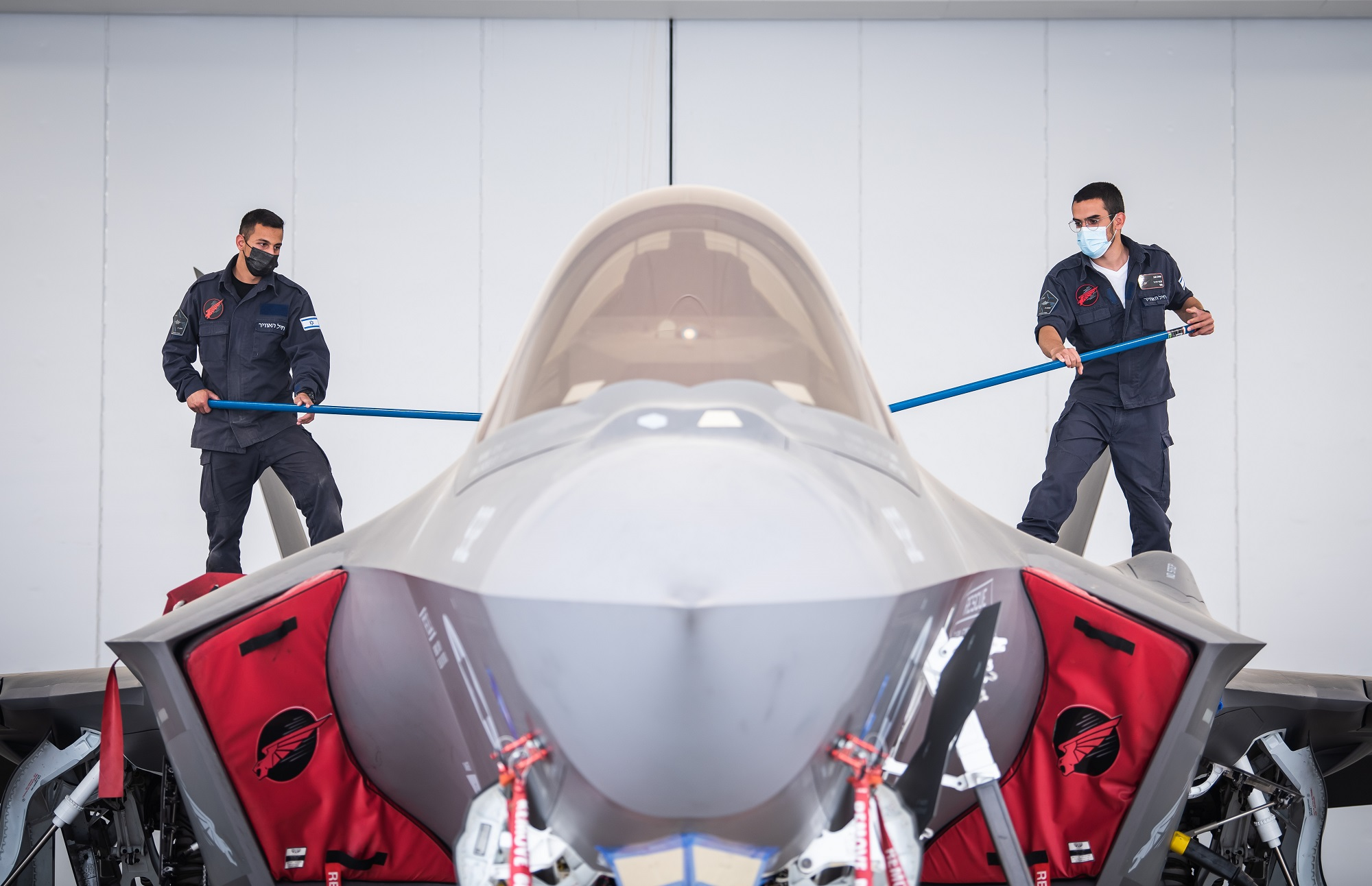 """Israeli Air Force Details How F-35I """"Adir"""" Stealth Jet's Coating Is Cleaned To Preserve Low Observability – The Aviationist"""