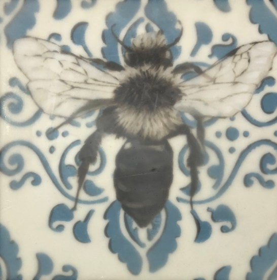 Bee-I-8x8-425