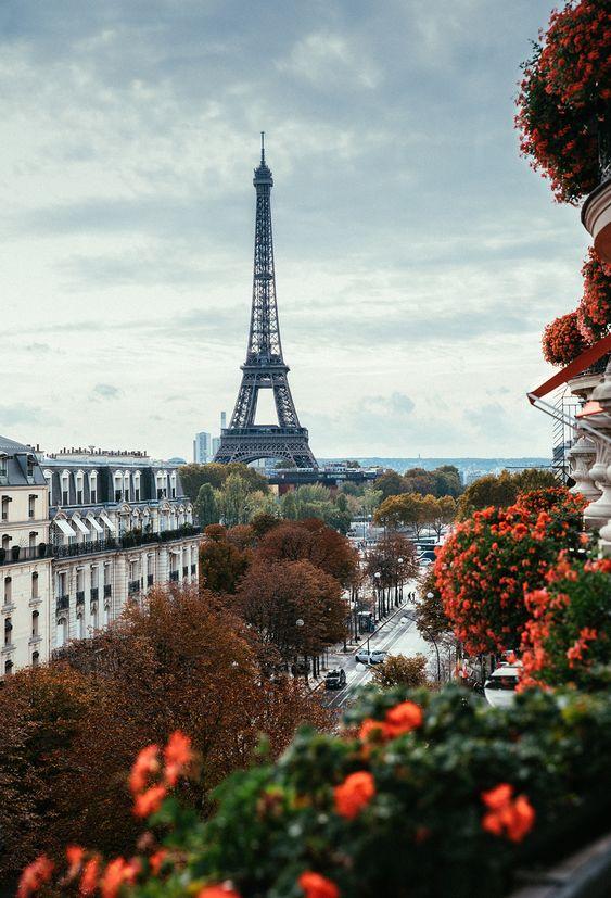 Elise Dumas the Paris based Lifestyle Photographer aka The Pineapple Chef