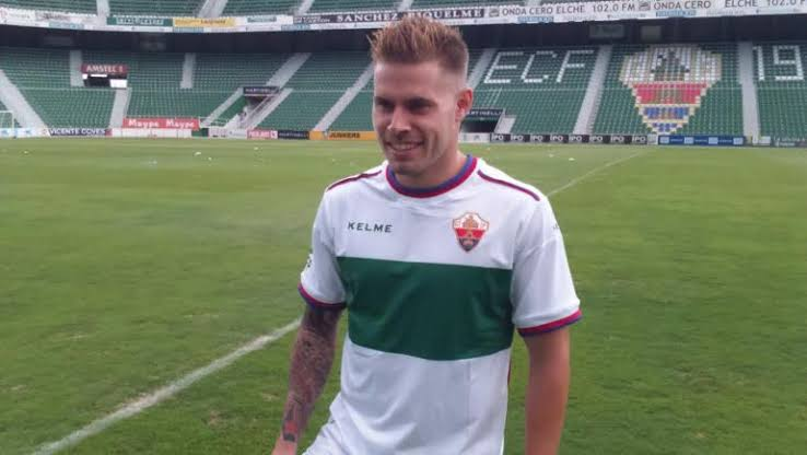 ATK sign Spanish defensive midfielder Armando Sosa Peña [Mandi]