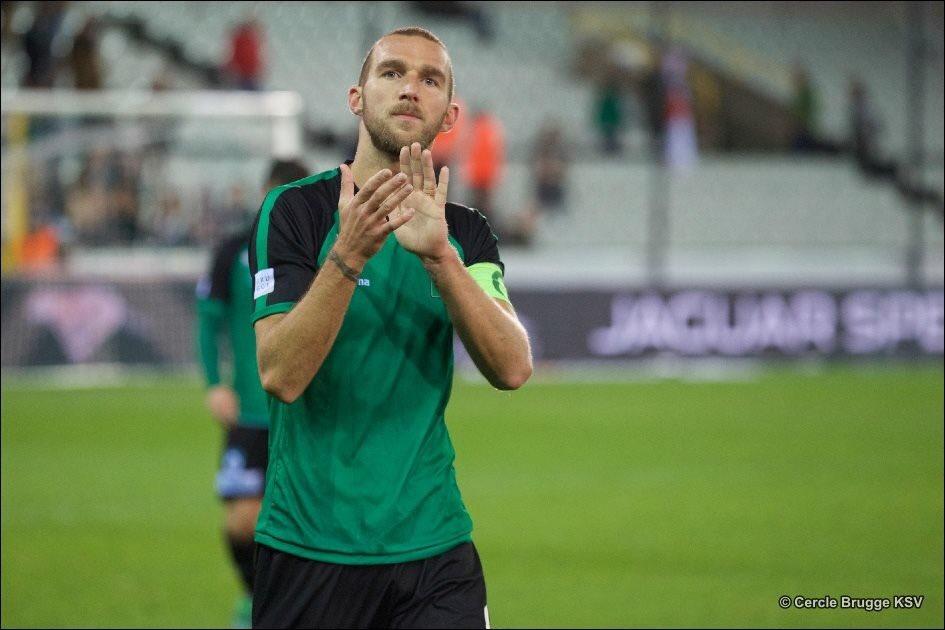 Belgian defender Benjamin Lambot pens a deal with Northeast United FC
