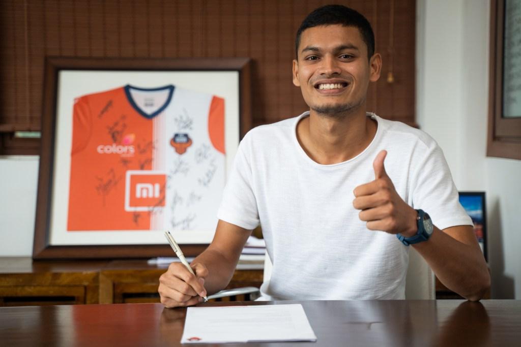 FC Goa sign Sporting Clube de Goa defender Kunal Kundaikar
