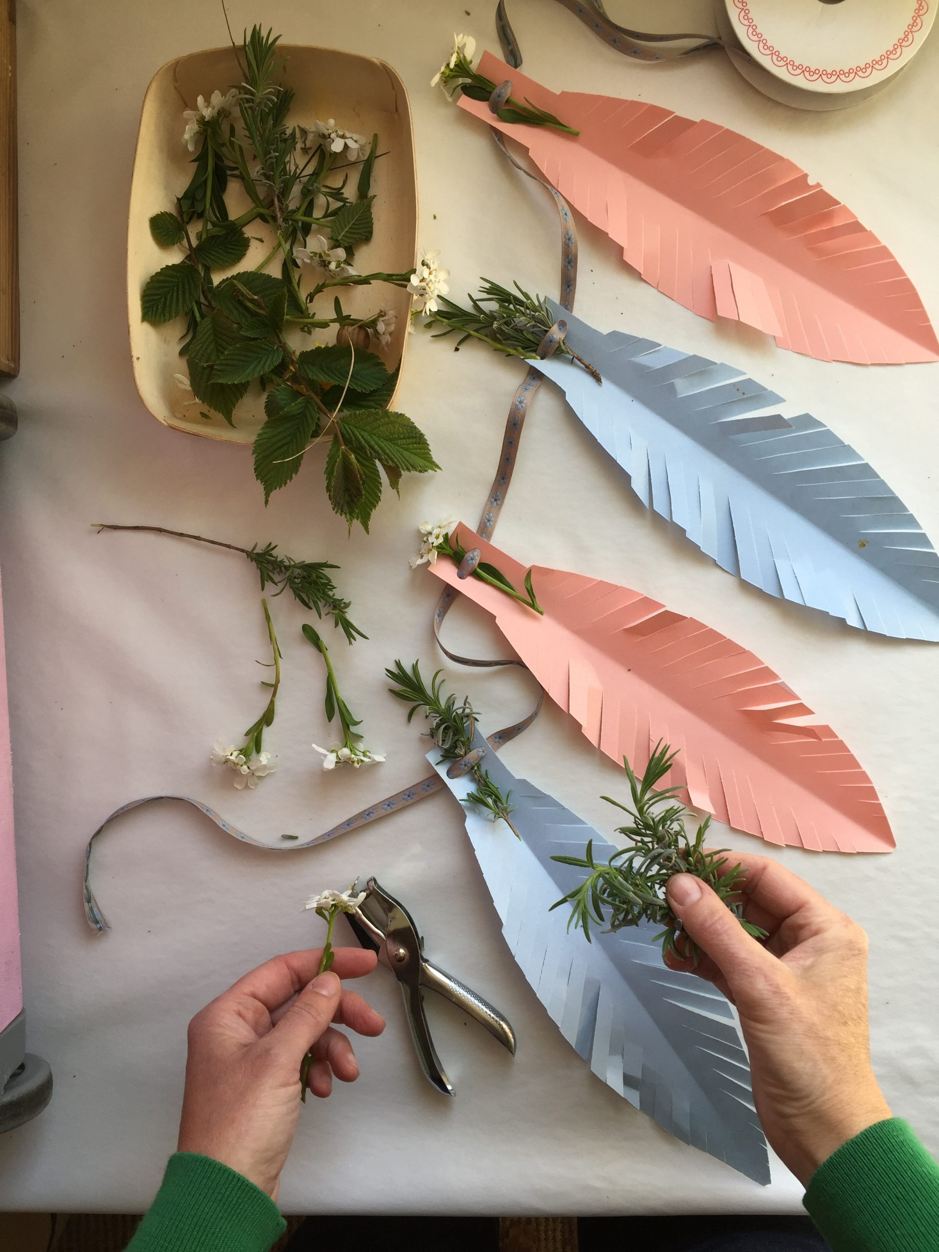 How to make Giant Boho Feathers + an easy paper party garland!